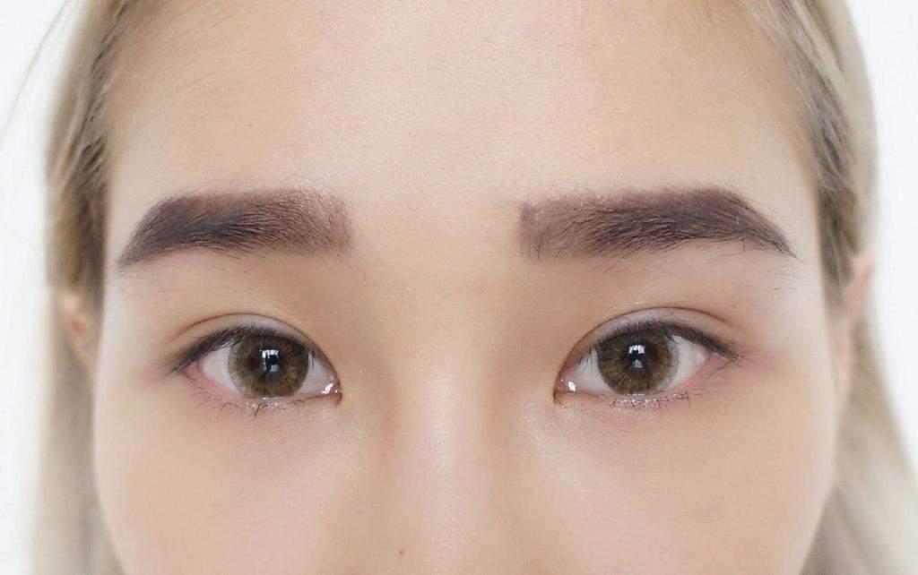 آرایش ابرو در چشمان دوپلکه
