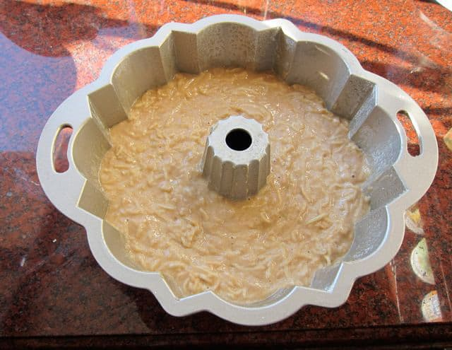 مواد سیب کیک و عسل در قالب