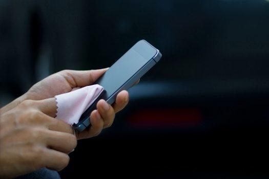 نمایشگر لمسی موبایل میتواند فرآیند تکثیر باکتریها را کاهش دهد