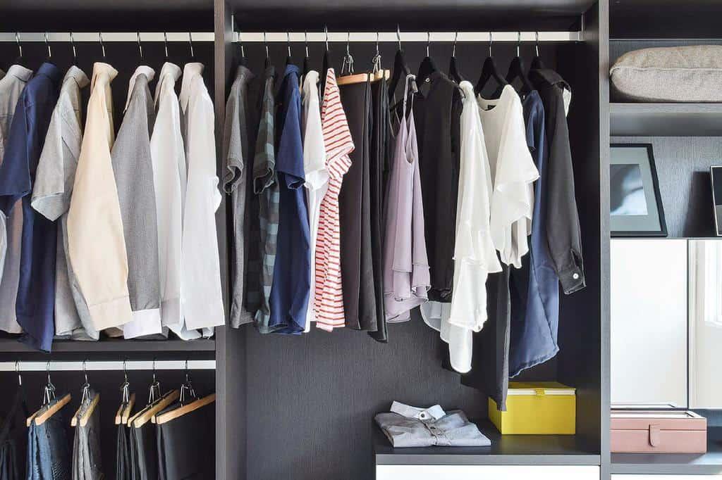 انبار کردن لباسهای تابستانی