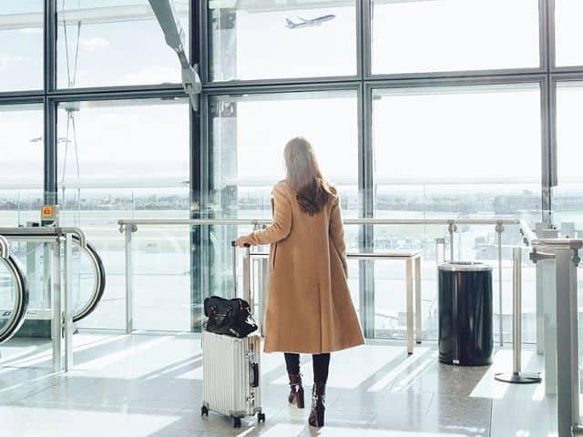 چه لباسهایی را نباید در سفرهای هوایی و فرودگاه بپوشیم؟