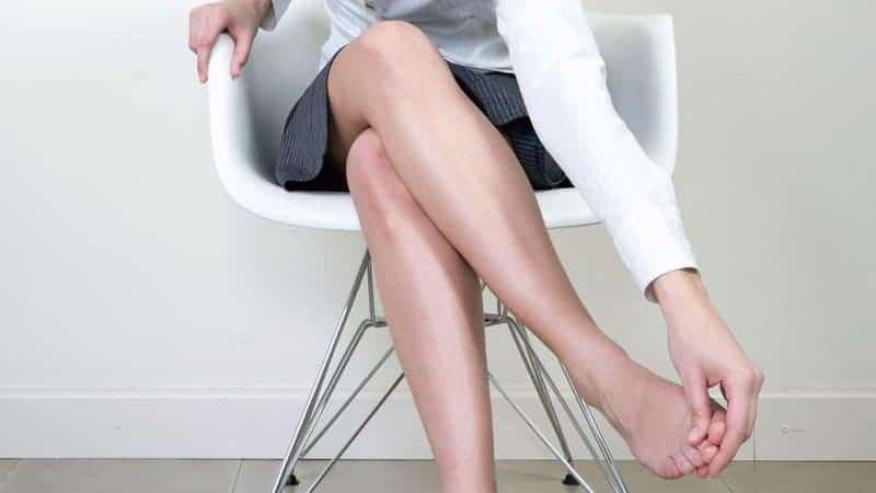 نشستن طولانی و تورم پا