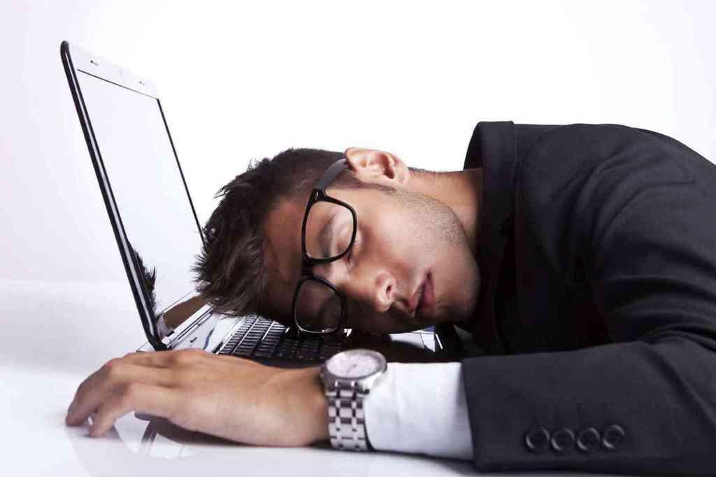 خستگی از جمله نشانههای کمخونی