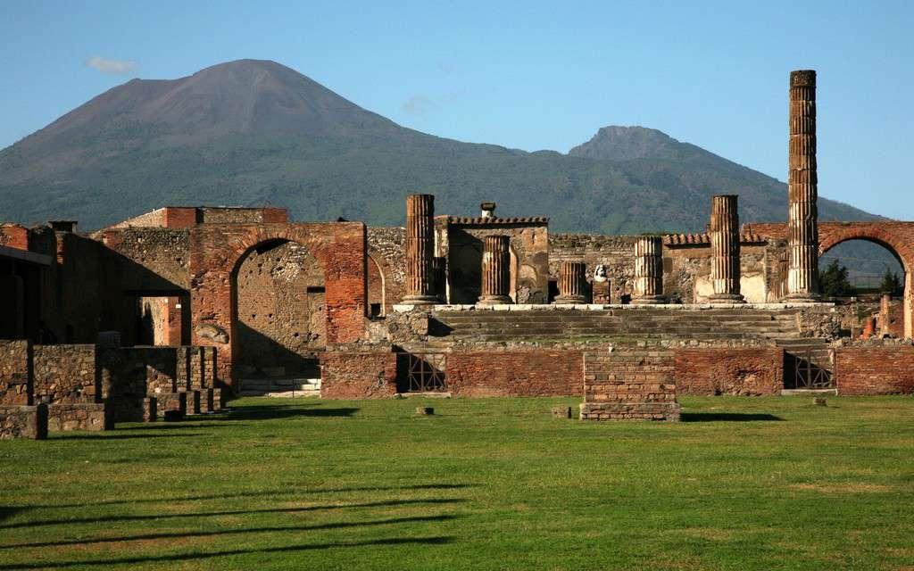پمپی و هرکولانیوم (Pompeii and Herculaneum)