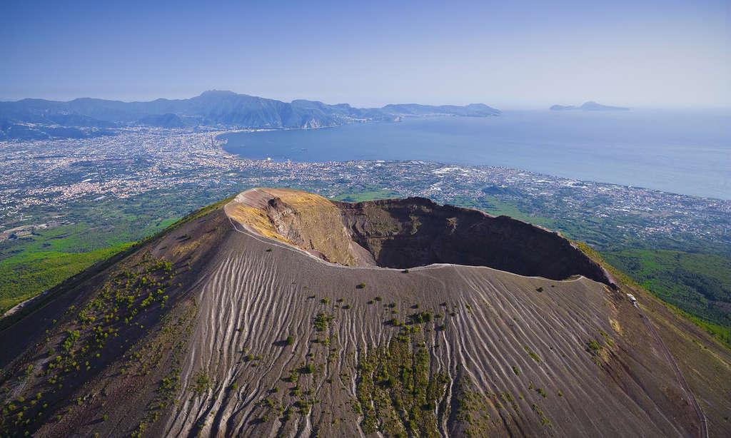 وزوویوس (Vesuvius)
