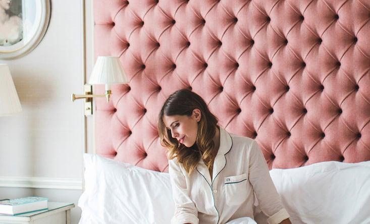 این روشهای آرایش و مراقبت پوست به خواب بهتر شما کمک میکنند