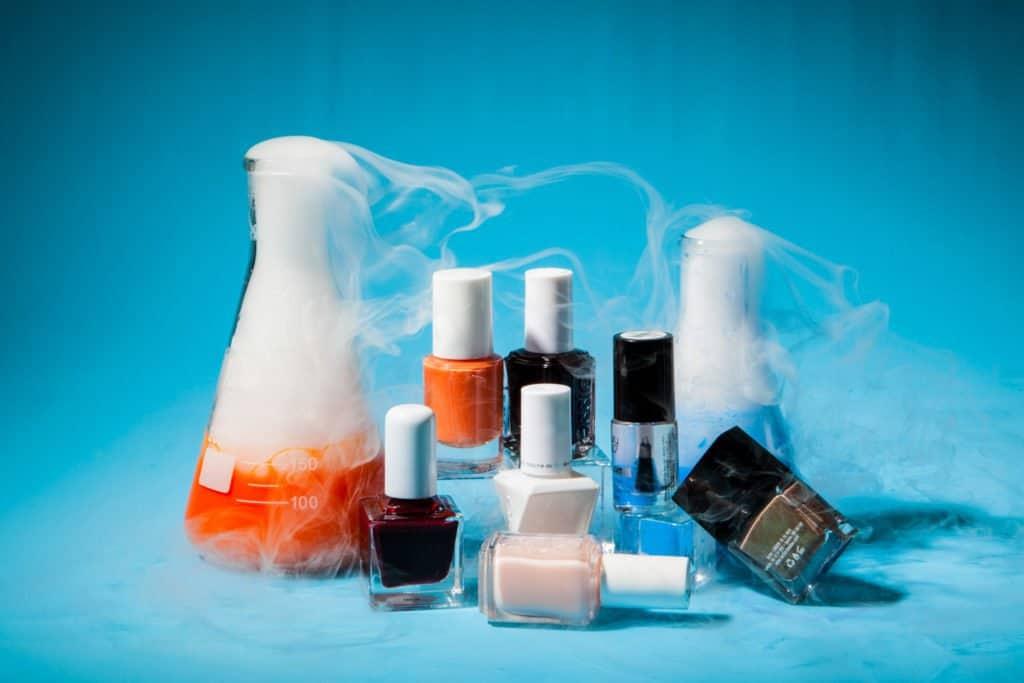 مواد سمی محصولات آرایشی و زیبایی