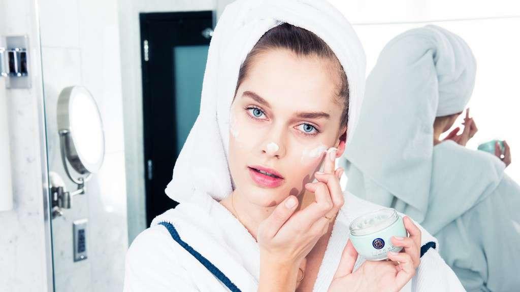 نقش تونر در مراقبت پوست، آیا واقعا به تونر نیاز داریم؟
