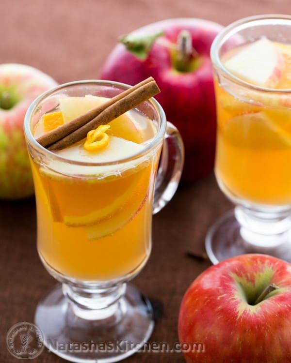 نوشیدنیهای پاییزی: نوشیدنی سیب داغ و پرتقال با طعم دارچین