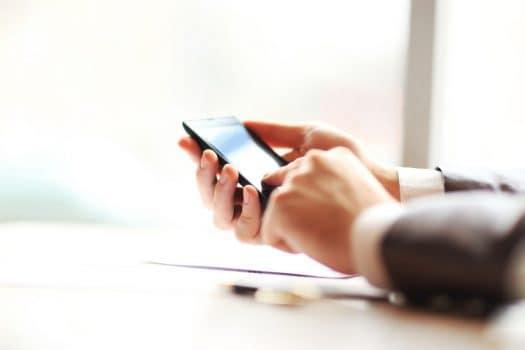 تلفن همراه و ۴ راه حل مناسب برای رهایی از اعتیاد به آن