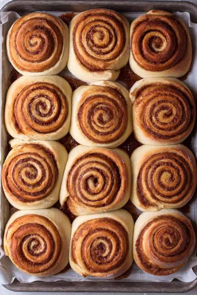 نان رول دارچینی