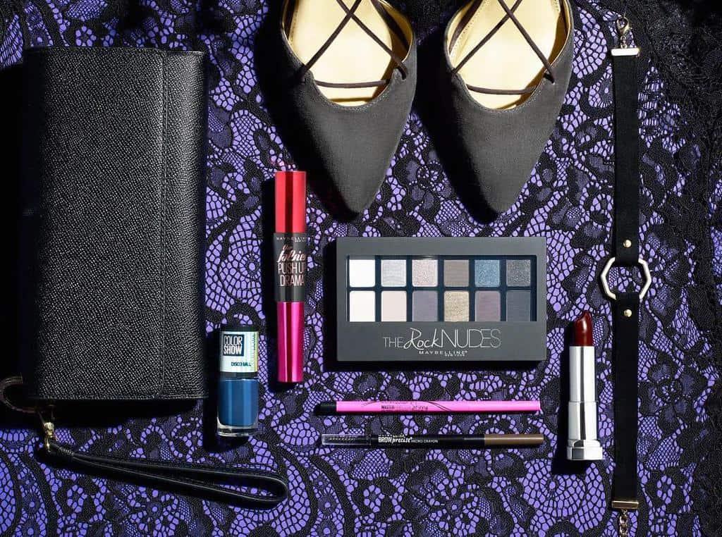 هشت وسیله ضروری که باید در کیف لوازم آرایش خود داشته باشید
