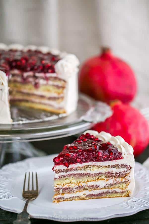 کیک انار کریسمس