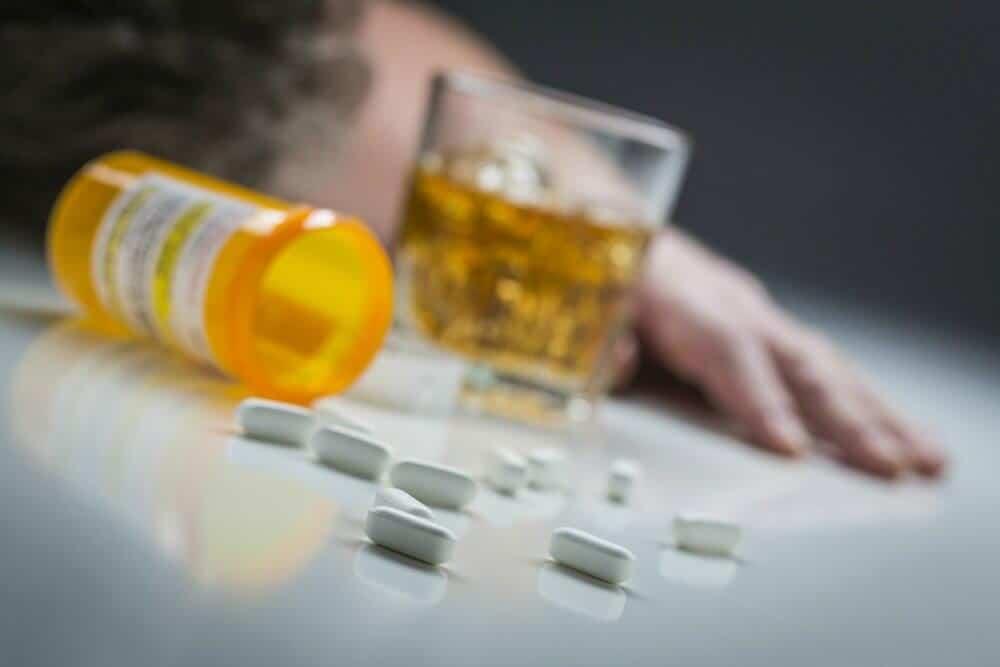 خطرات مربوط به مصرف داروی پرکوست همراه با الکل