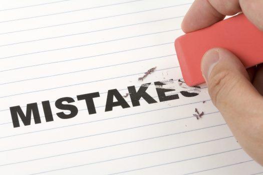 ۴ خطا و اشتباه بزرگ که هرگز نباید انجامشان دهید