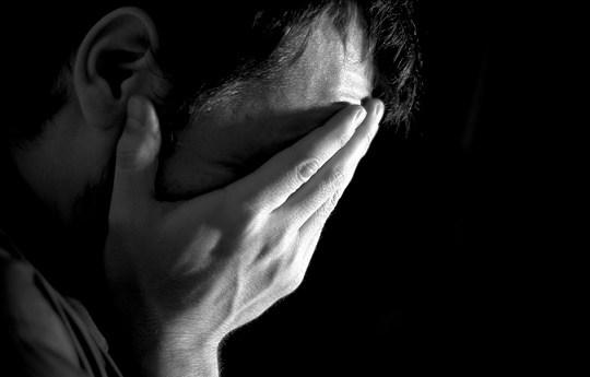 حس بی لیاقتی حس خوبی نیست. چگونه احساس بی لیاقتی نداشته باشیم؟