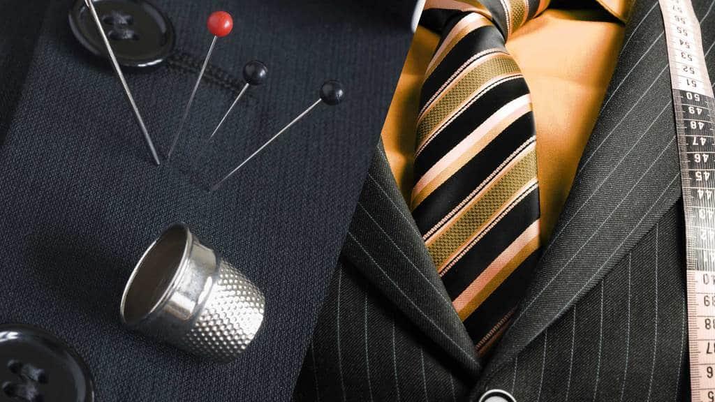 اندازه کردن لباس مردانه