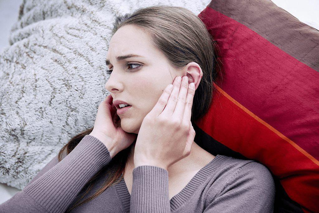 زنگ زدن گوش و علتهای آن