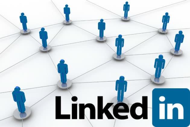 حداقل بین 50 تا 100 فرد را در ابتدای کار در شبکهی دوستانتان داشته باشید.