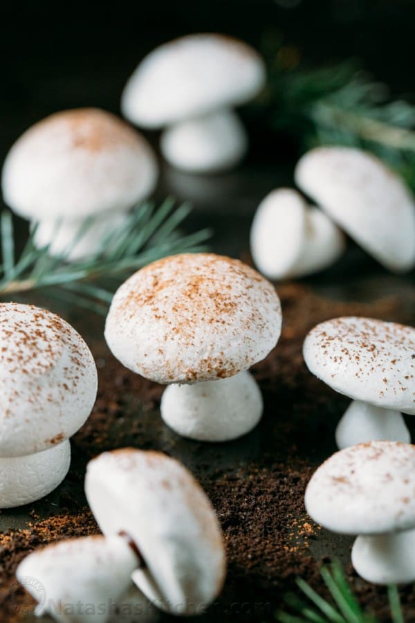 مرنگ قارچی شکل برای تزئین انواع کیک و دسر