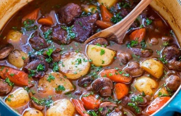 خورش گوشت بره و سبزیجات؛ پخت خورش گوشت در فر