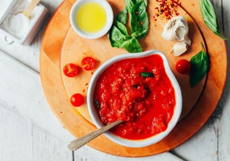 سس مارینارا خانگی برای انواع پاستا و سایر غذاها؛ بدون گلوتن و وگان