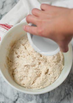 طرز تهیه نان خمیر ترش