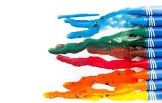 لکه مداد شمعی و خودکار رنگی و ماژیک را به این روش از روی لباسها پاک کنید