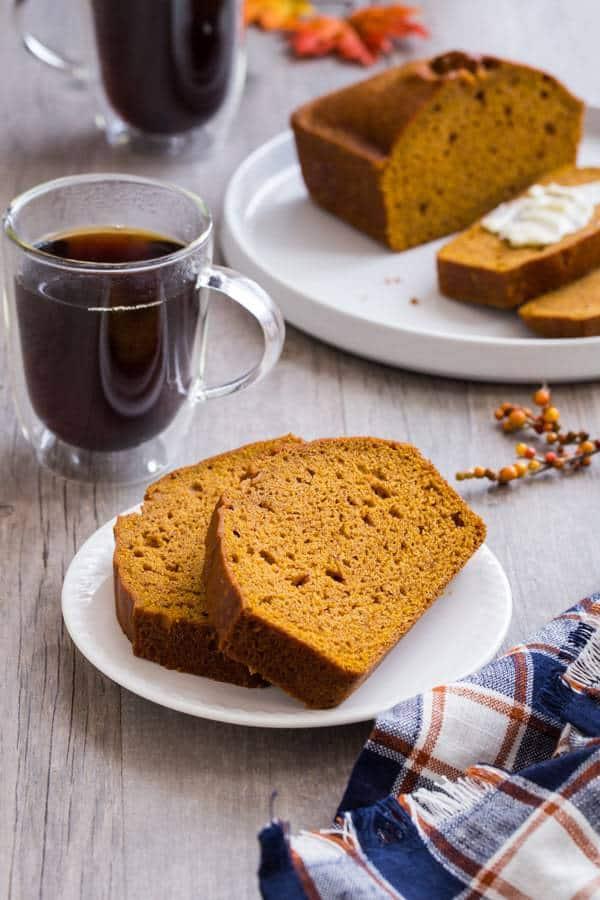 طرز تهیه نان کدو به دو روش با چند جایگزین جالب و متنوع