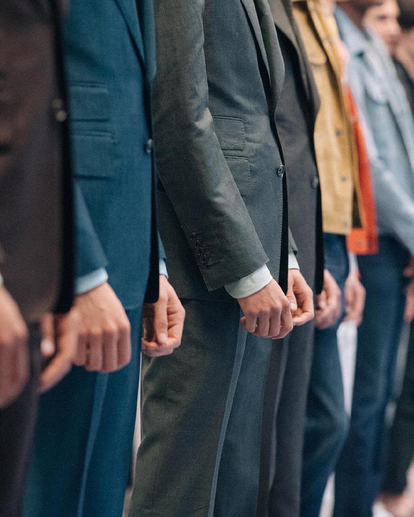 اصول ترکیب طرح و رنگ در لباسهای مردانه