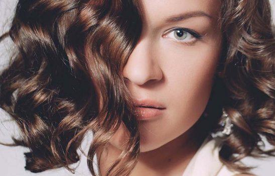 زیباترین مدلهای آرایش مو برای موهای نازک و کم حجم