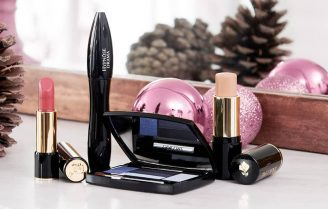 شش وسیله آرایشی ضروری برای کامل کردن کیف آرایش شما