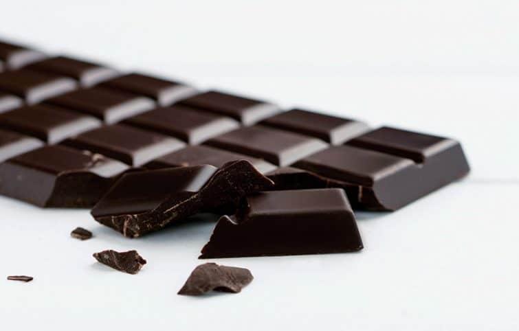 شکلات تلخ بخورید تا کمتر به محیط زیست صدمه بزنید