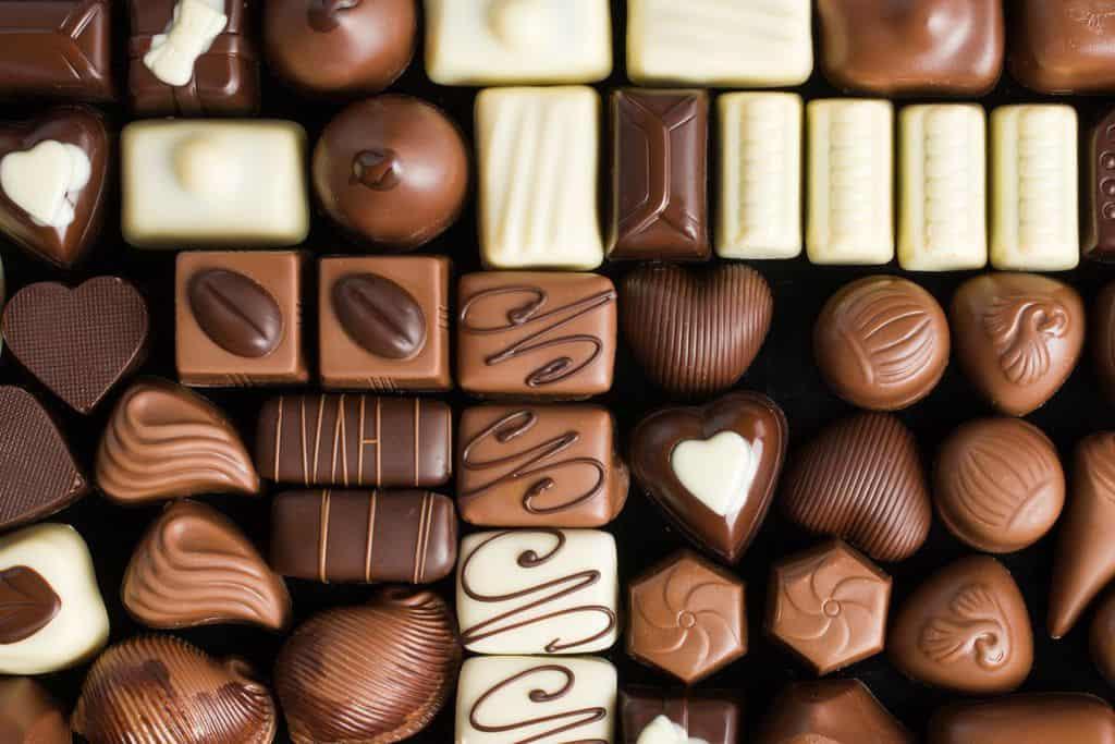 شکلات تلخ بخورید