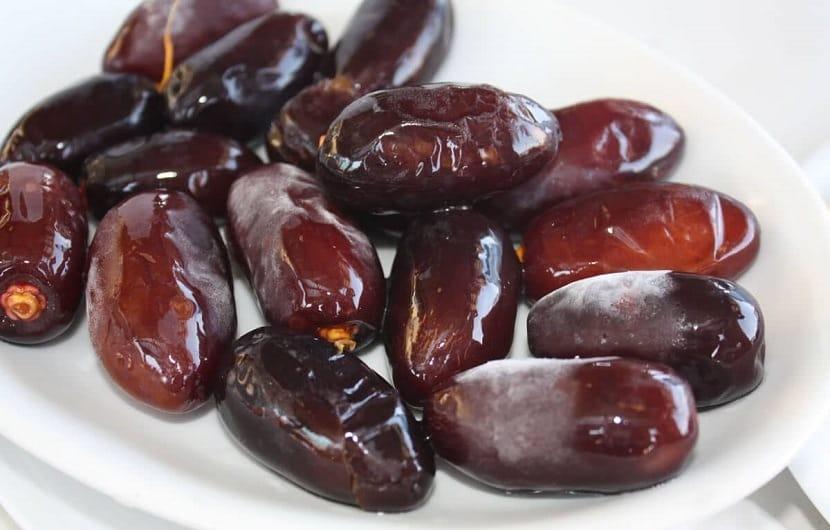 فواید خرما و معرفی ۱۳ از خواص شگفت انگیز این ماده غذایی محبوب