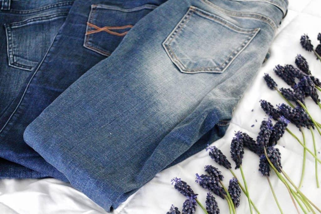 شستشو و لکه بری لباسهای جین