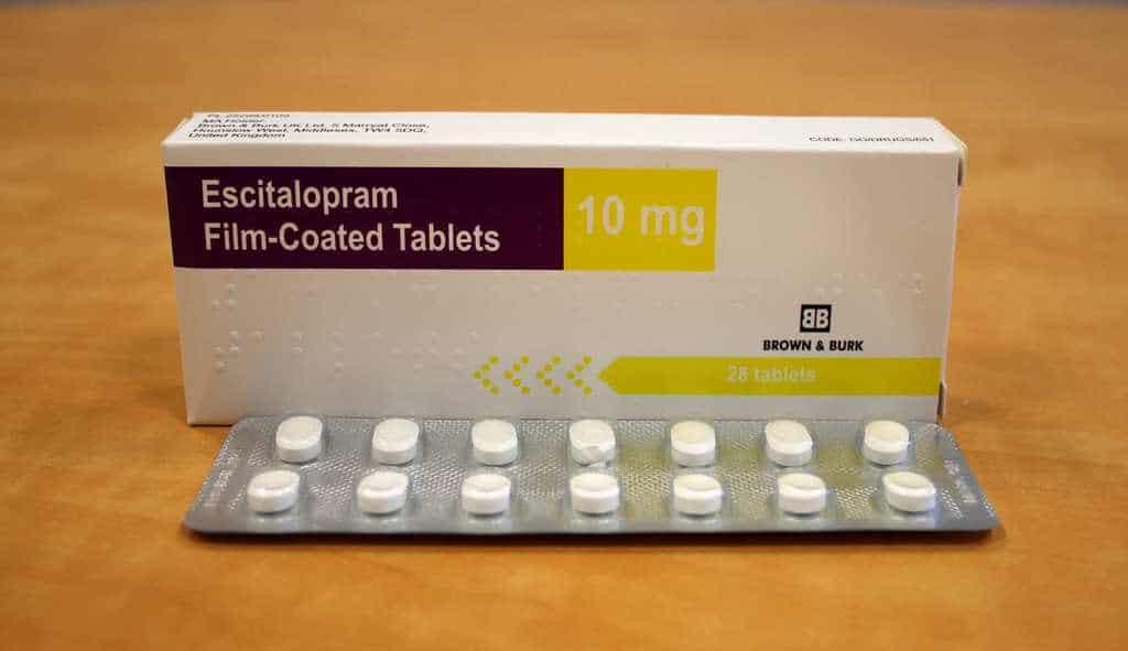 این دارو را به کودکانی که کمتر از 12 سال دارند و دچار افسردگی هستند، یا بچه هایی که کمتر از 18 سال دارند و دچار اضطراب هستند، ندهید