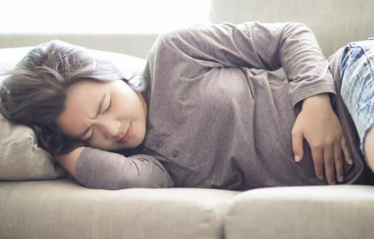 کیست تخمدان را با ۸ درمان خانگی کنترل و درمان کنید