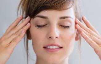 چند حرکت یوگا برای صورت که از پیری چهره جلوگیری میکند