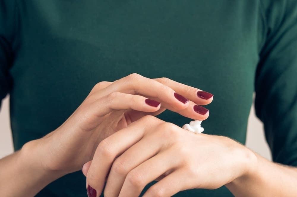 در صورتی که نسبت به هر نوع داروی بیحسکنندهای حساسیت دارید، از کِرِم املا استفاده نکنید.