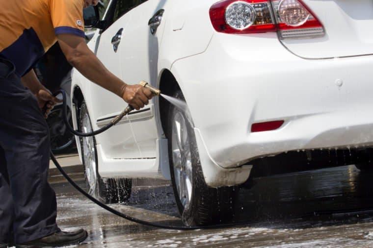 شستشوی خودرو در خانه