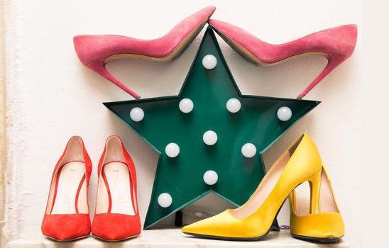 رنگ لباس مناسب برای پوشیدن با کفش پاشنه بلند رنگی شما چیست؟
