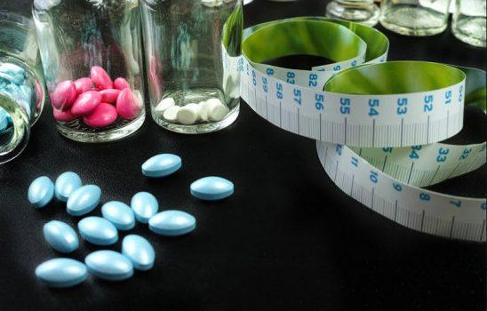 بهترین ویتامینها و مکملهای کاهش وزن با ۱۳ نمونه متنوع و کارآمد