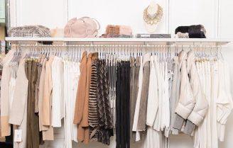 کمد کپسولی تابستانی و لباسهایی که به آن نیاز دارید