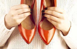 این لباسها را با کفش پاشنه بلند نپوشید، چند نکته برای استایل لباسهای رنگی