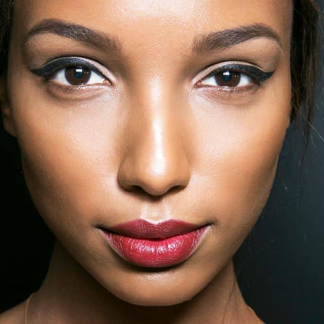 ترفندهای ساده و سریع آرایش خط چشم