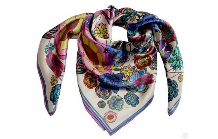 ده روش خلاقانه و جالب برای استفاده از روسری ابریشمی به عنوان اکسسوری