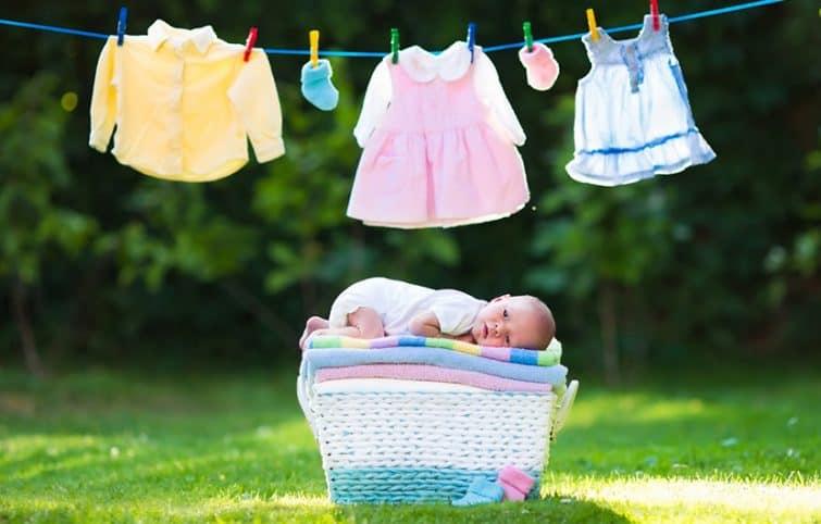 شستن لباس نوزاد و لکه بری آن بدون آسیب به لباس و ایجاد حساسیت