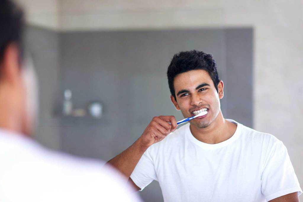 مسواک نرم برای دندانهای حساس