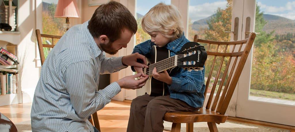 یاد دادن به شاگردان، یک راه مناسب برای پول درآوردن از موسیقی است.